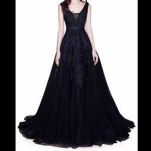FLEXIBLE PRICE   Double V-neck Sleeveless Dress